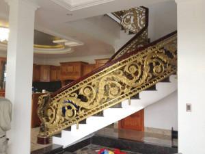 Cầu thang nhôm đúc mẫu 028